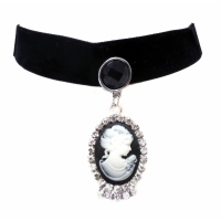 Victorian cameo pendant black velvet necklace